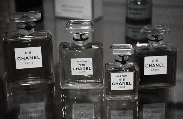 Интересные факты о культовом аромате Шанель №5.