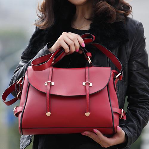 Женская сумка-саквояж красная  купить с доставкой по Украине 43b75d9ec47d4